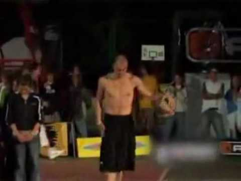 Total Pro Dunks Over Four Girls And Doesn - t Hurt Any of Them - Funnyrofl.com