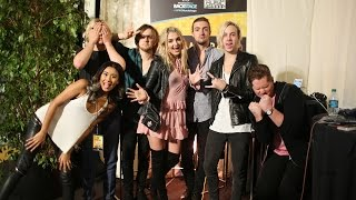 R5 Backstage at the American Music Awards 2015