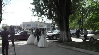Троится в глазах или три невесты