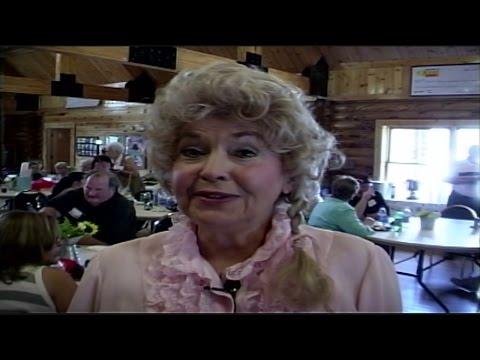 Donna Douglas, 'Beverly Hillbillies' star, dies