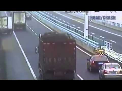 Video compilation di incidenti stradali Parte 62 2013