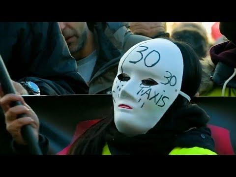 شاهد: إضراب سائقي سيارات الأجرة في مدريد إحتجاجا على خدمة أوبر وكابيفي…  - نشر قبل 24 ساعة