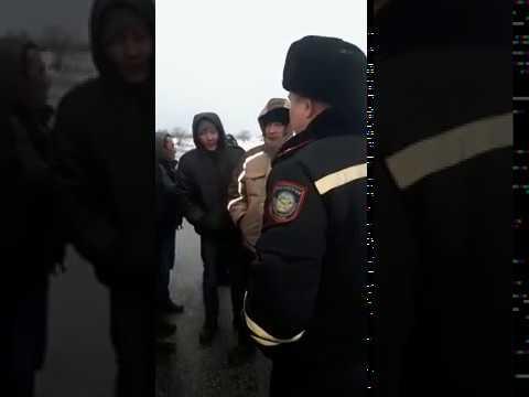 В буран на трассах Актюбинской области полицейские формируют колонны для сопровождения  03.02.2020г.