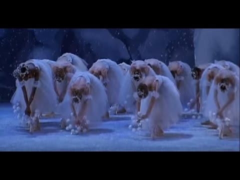 Waltz of the Snow Flakes in Balanchine´s The Nutcracker - The NYC Ballet