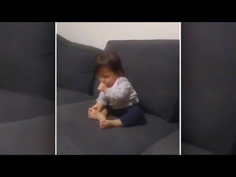Wie sich der Hund um das Mädchen kümmert, ist wirklich rührend!