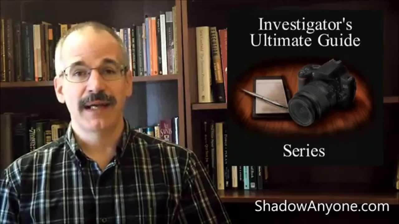 What do private investigators wear