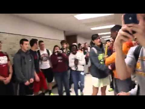Best Prom Proposal Ever High School Proposal Youtube
