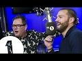 Capture de la vidéo Jamie Dornan Plays Hunt The Sausage With Alan Carr And Nick Grimshaw