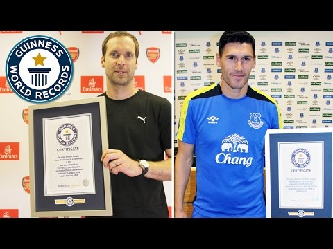 Petr Cech vs Gareth Barry - Arsenal and Everton stars take on a Guinness World Records football quiz