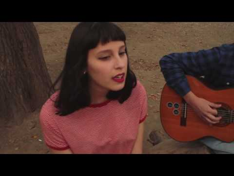 Constânza - Cross your fingers (Laura Marling)