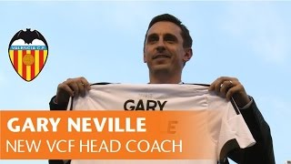 GARY NEVILLE FOR THE FIRST TIME AS VALENCIA CF COACH ON THE PITCH OF MESTALLA