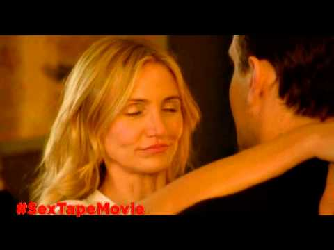 Sex Tape clip - Cameron Diaz is rollergirl
