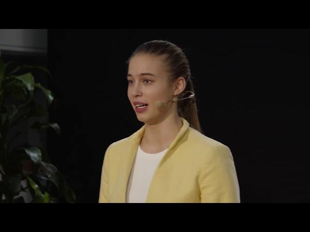 Nije najbolja opcija da dijete ostane u disfunkcionalnoj obitelji | Kristina Ivanuš | TEDxZagreb