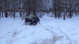 Электроквадроцикл 4х4 в зимнем лесу(, 2016-01-29T09:45:48.000Z)