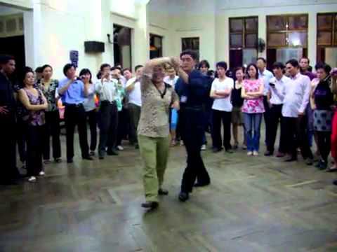 Khieu vu Bebop lop 4 bài 2 - vũ sư Trần Tôn và cô Bảo Dương