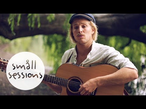 Ziggy Alberts - Runaway (acoustic) | Småll Sessions