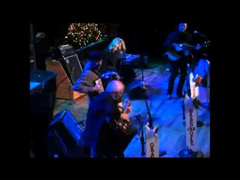 Like A Rose  Ashley Monroe and Vince Gill Live at the Grand Ole Opry