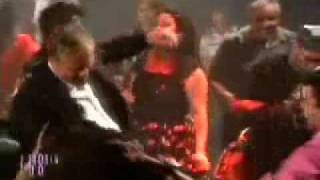 Topolánek tancuje s cikánkama
