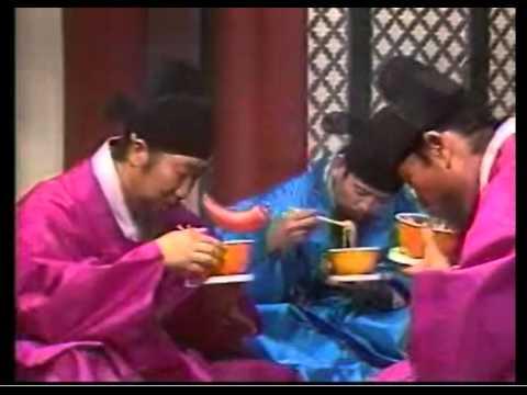 청보식품(오뚜기) 아줌마 매운탕면 - 故 이주일 (사극,1985년)