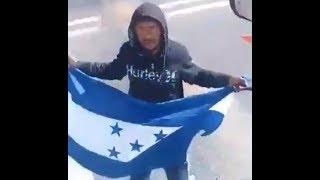 SE VUELVE LOCO CAMIONERO: EN MÉXICO NOMÁS MI BANDERA ONDEA -…