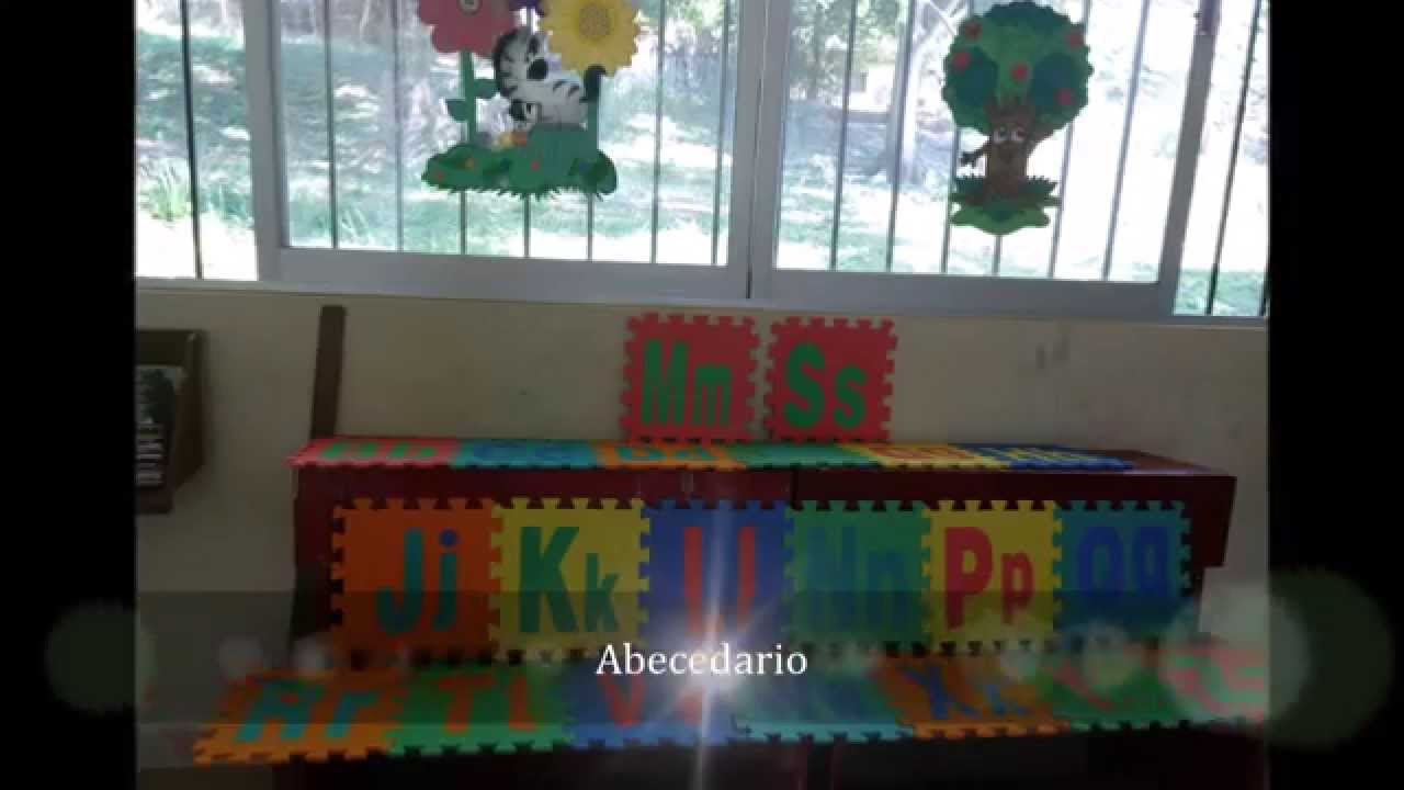 Ideas para decorar tu aula youtube for Decoracion para puertas de salon de clases
