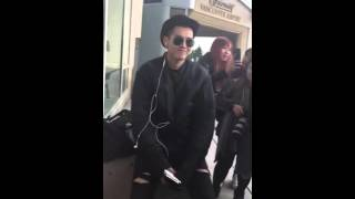 Video Kris Wu's reaction when the fan told him he was older than them download MP3, 3GP, MP4, WEBM, AVI, FLV Maret 2018