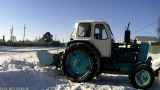 ЮМЗ зимой по снегу.AVI