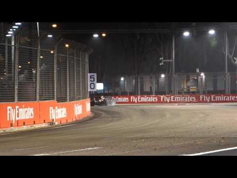 Singapore Formula 1 - Vettel leading