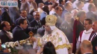 بالفيديو : فرحة الاقباط عند بدء البابا تواضروس دورة البخور بقداس عيد القيامة