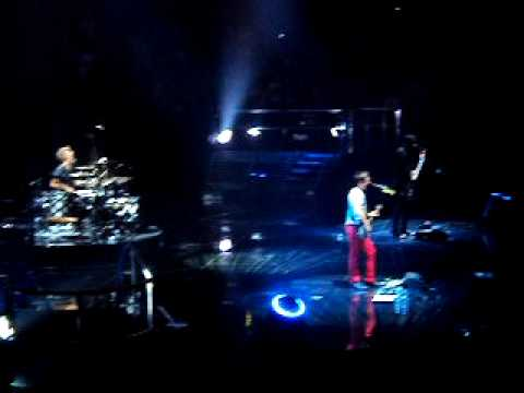 Muse - Map of The Problematique (live @ Hartwall Arena in Helsinki, Finland) 22 oct 2009
