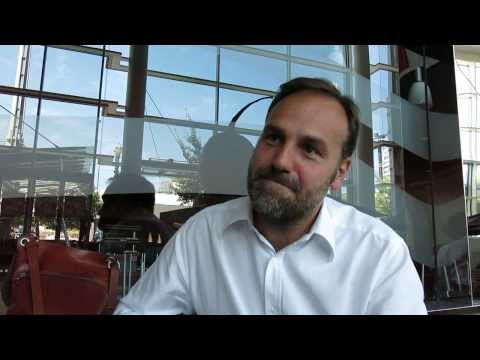 Mark Shuttleworth Discusses the Ubuntu Edge Phone