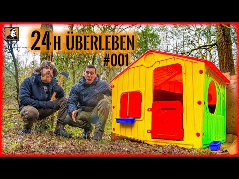 Mit SPIELZEUG HAUS im WALD 24h überleben | Tiny House bauen und einrichten mit Fritz Meinecke