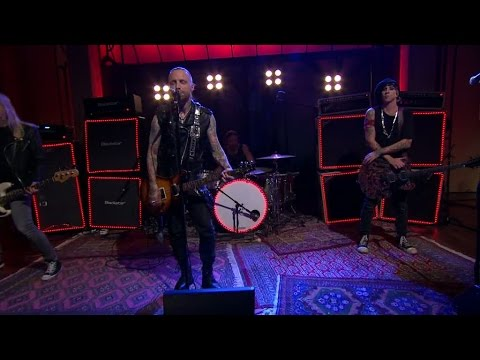 Backyard babies - Bloody tears (Live) - Vardagspuls (TV4)