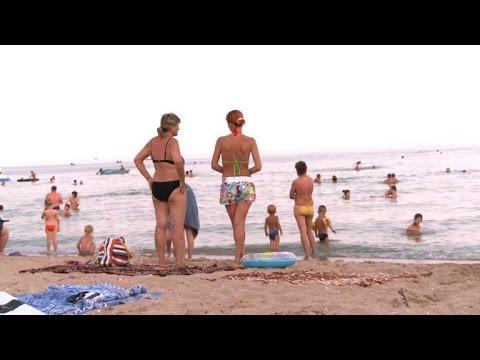 Ukrainian sea resort population surges after refugee influx