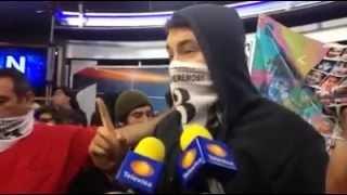 Irrumpen manifestantes en Televisa Mexicali; piden renuncia de EPN