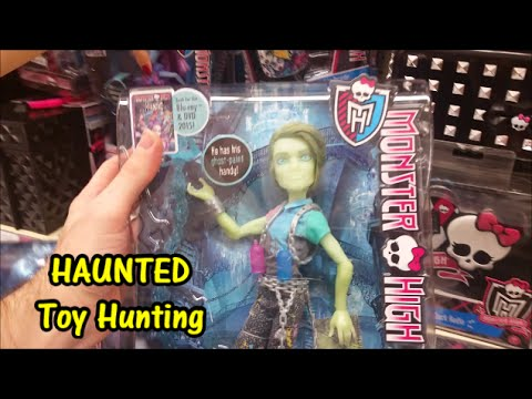 Toy Hunting FOUND NEW Haunted Monster High Dolls At Toys R Us