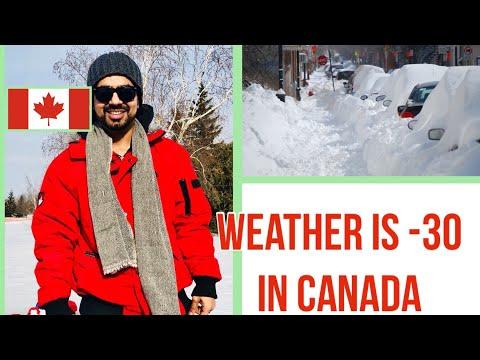 Weather Is -30 In Canada.Winnipeg . Canada