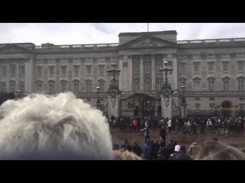 See Changing of the Guard at Buckingham Palace in London now!