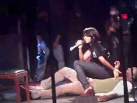 Teairra Mari lapdance and Crowd Chanting for MOnica