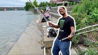 FIRST TIME Fishing the Washington Harbor — BIG FISH!!! (Ft. Reggie 1R1R Live!)
