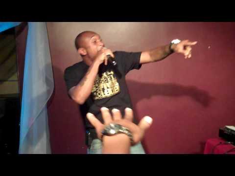 Hip Hop Karaoke NJ - 07.10.10 - Mo Money Mo Problems (Six)