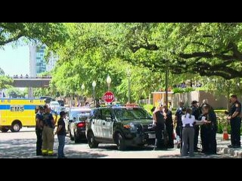 Report: 1 dead in stabbings on University of Texas campus