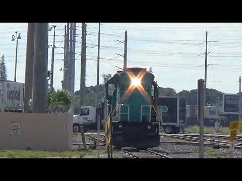 Port of Palm Beach Switcher [GP38-2] with a GREAT HORN!