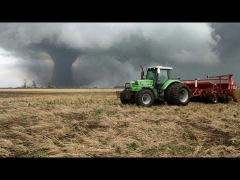 Vídeo y fotos de tornado en Loberia,Buenos Aires Argentina 8/12/2017