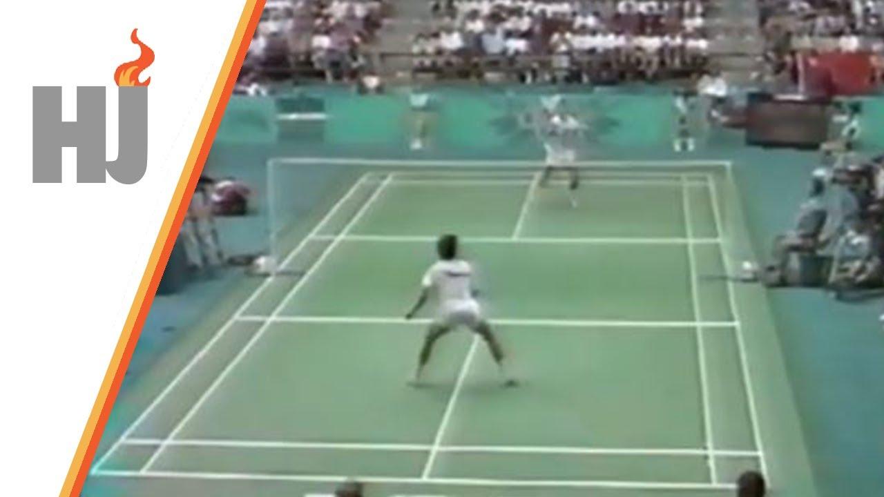 Download 1996 Atlanta - Badminton, 1/2 finale Hoyer-Larsen (DEN) vs Arbi (INA)