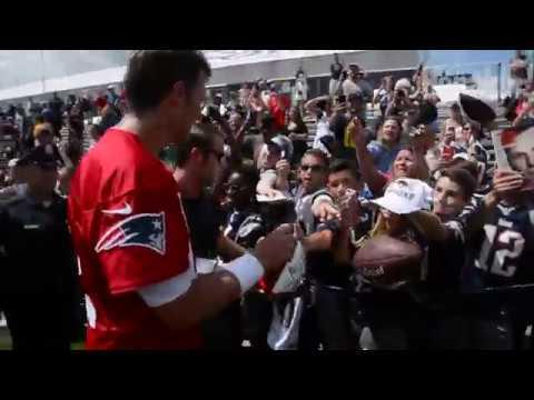 New England Patriots Tom Brady signs autographs
