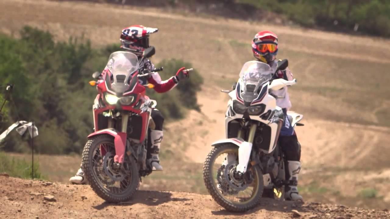 画像: M. Marquez e J. Barreda in sella alla nuova CRF1000L Africa Twin www.youtube.com