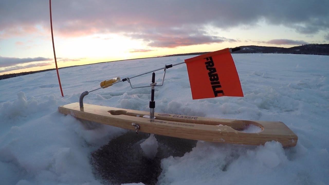 Insane ice fishing lake gogebic day 3 2017 youtube for Lake gogebic ice fishing
