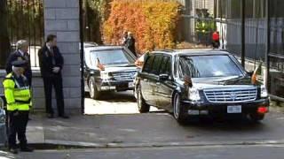 """""""الوحش"""" سيارة أوباما تعلق على الرصيف"""