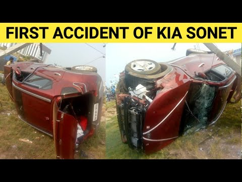 FIRST ACCIDENT of KIA SONET Shows Build Quality of KIA 🔥 KIA SONET HTX Variant Accident in Karnataka